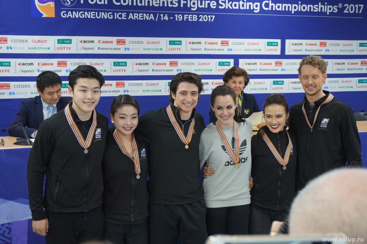 Танцорам вручены малые медали
