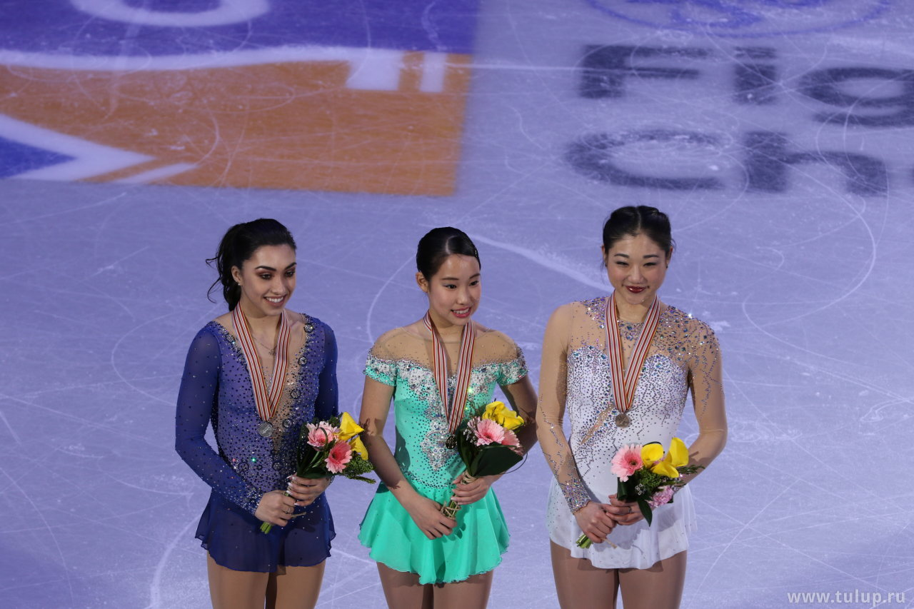 Призеры: Gabrielle Daleman, Mai Mihara, Mirai Nagasu