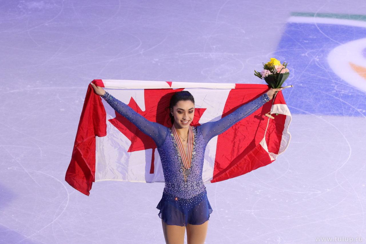 Габриэла с флагом
