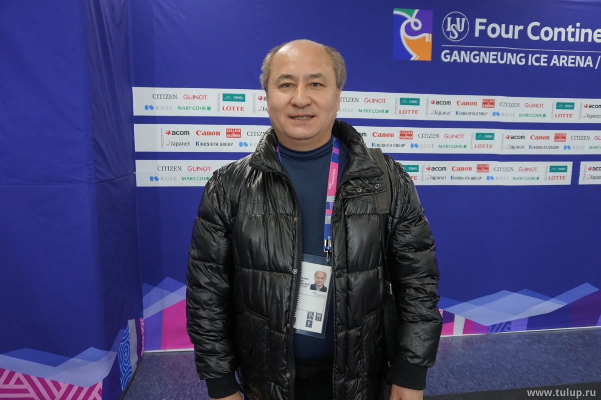 Отец и наставник Миши Гэ — Гэ Цзюнь