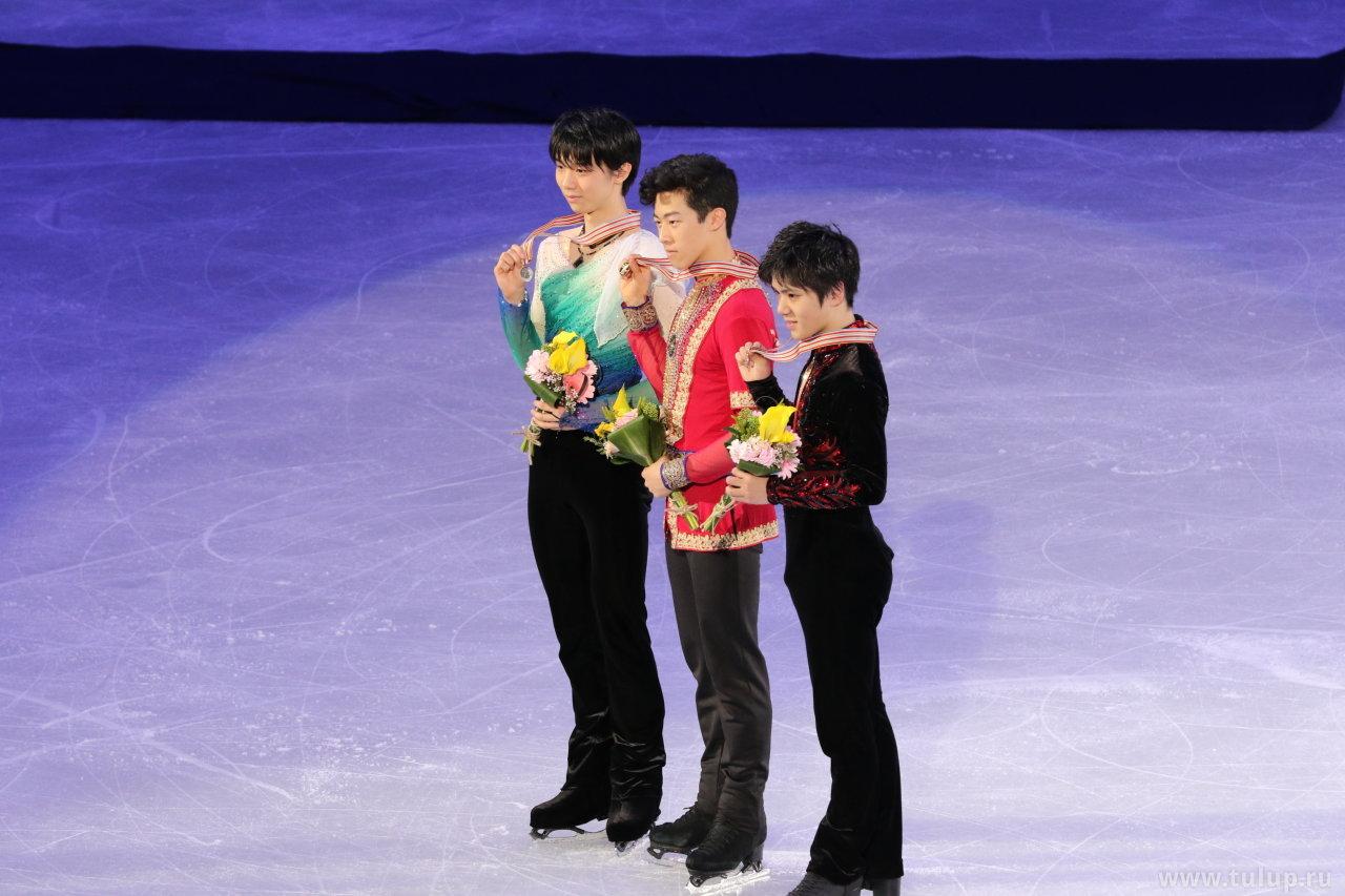 Hanyu, Chen, Uno  с медалями