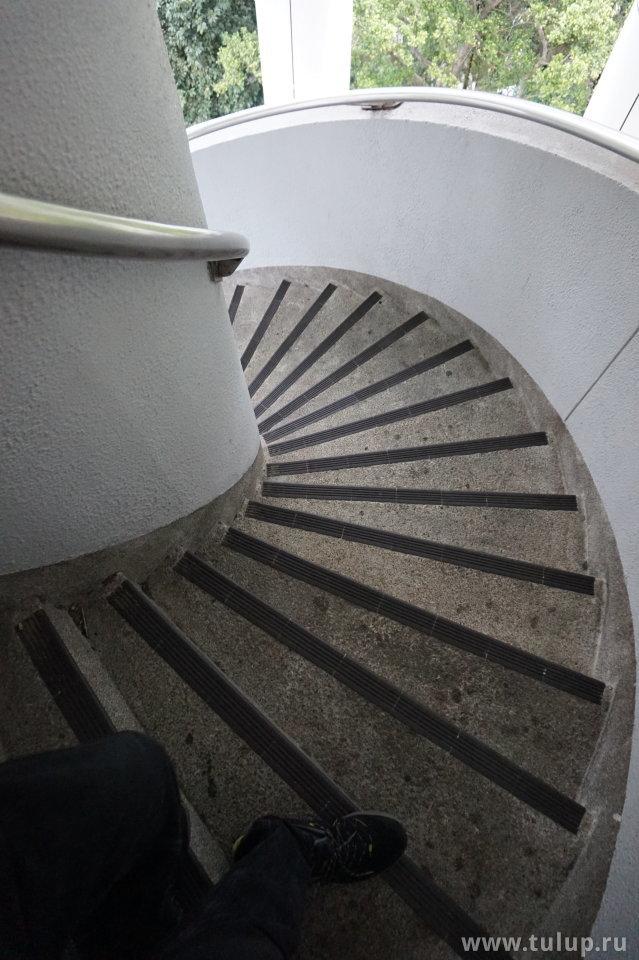 Винтовая лестница с обзорной башни