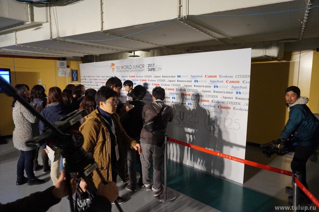 Koshiro Shimada и японские репортеры