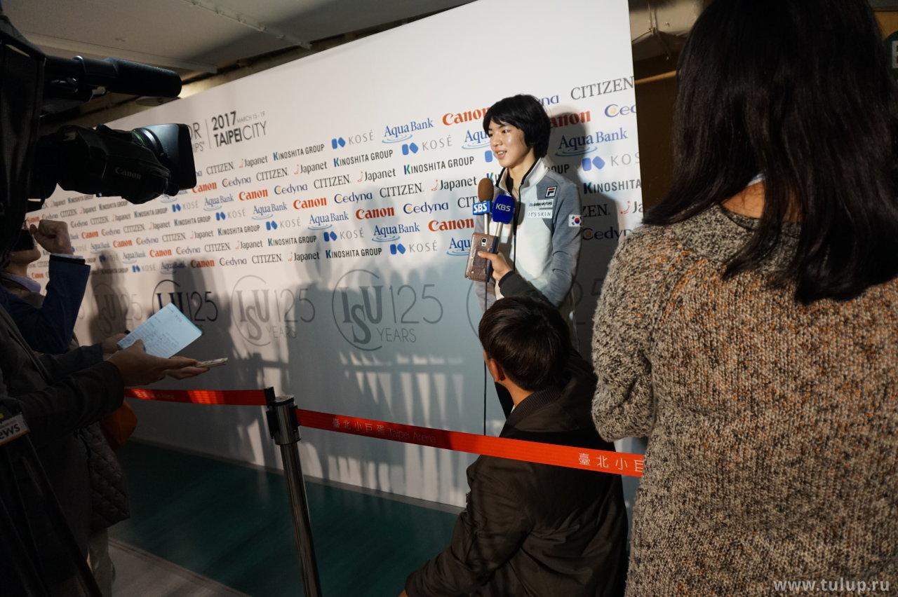 Jun Hwan Cha дает интервью корейскому телеканалу