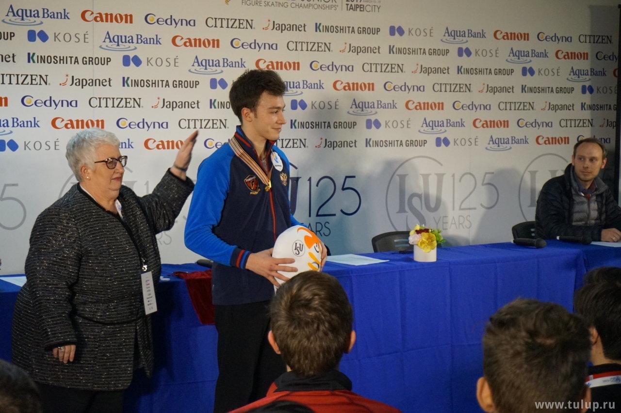 Ваш чемпион — Дмитрий Алиев