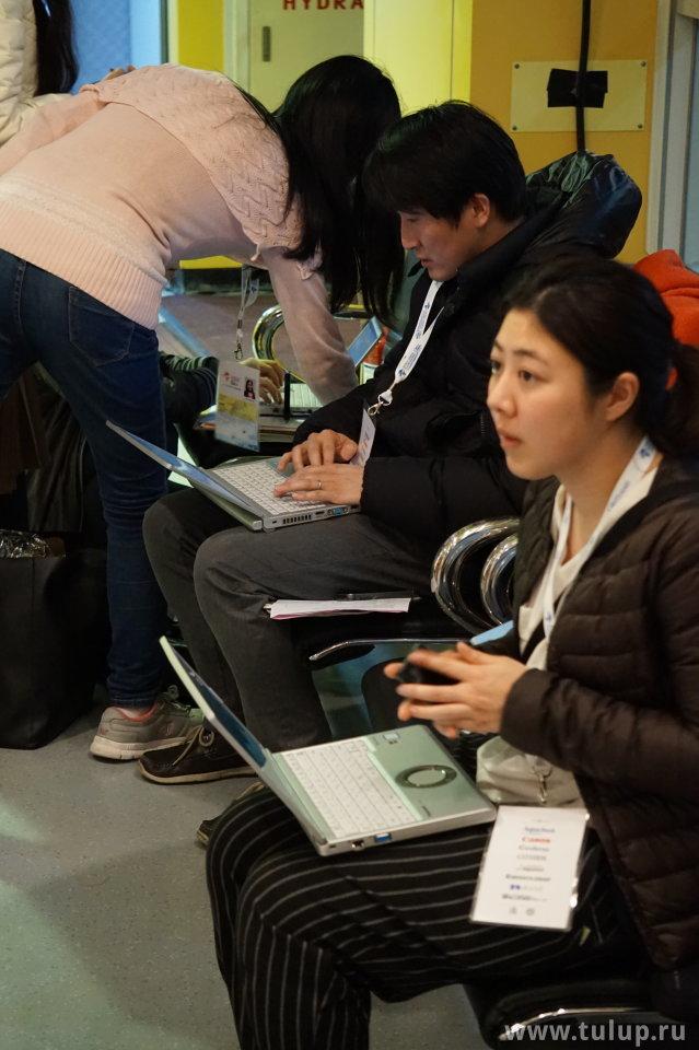 Японская пресса за работой