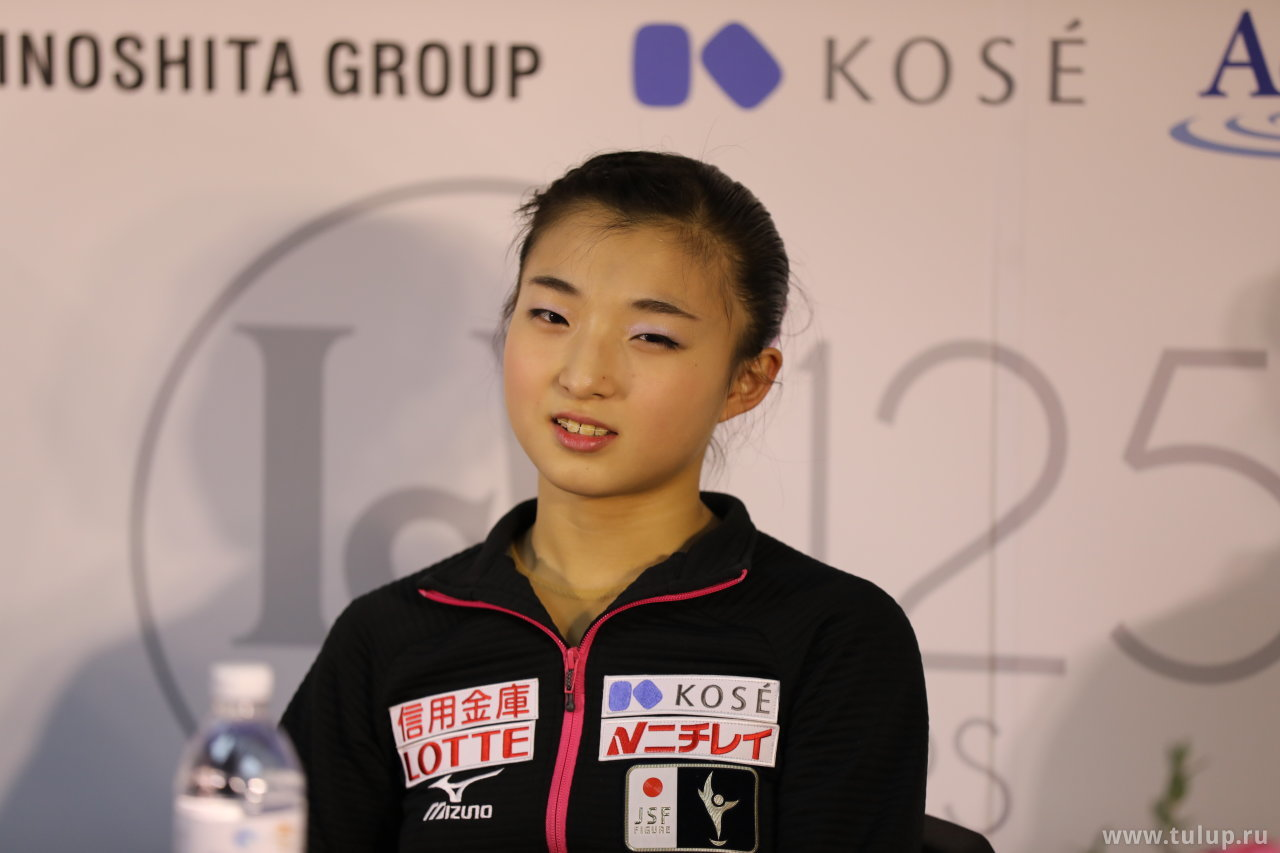 Kaori Sakamoto смотрит на фотографа Тулупа как на… в общем с презрением