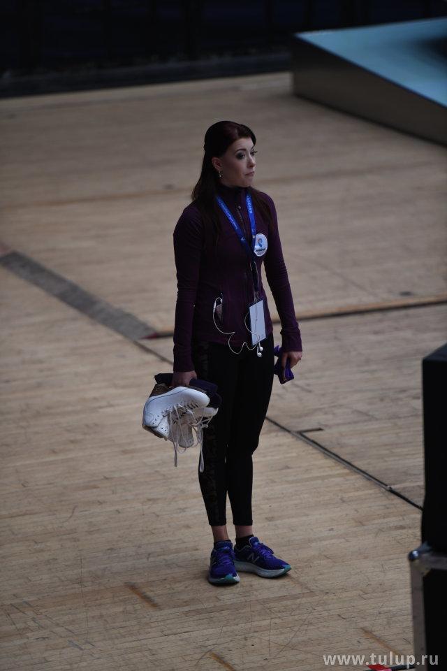 Екатерина Боброва грустит в ожидании партнера