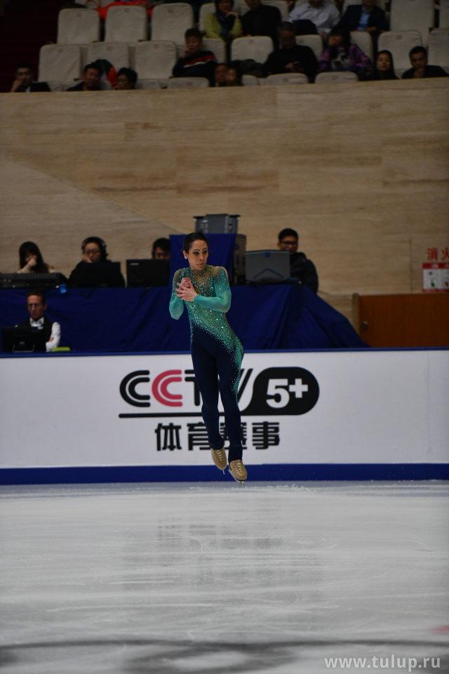 Nicole Della Monica в прыжке