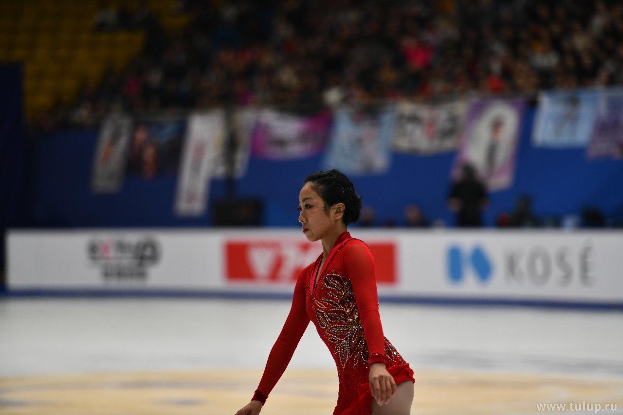 Sui Wenjing заходит на прыжок