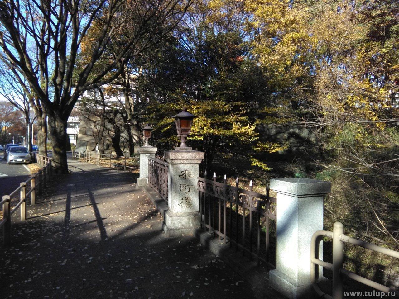 Мост к замку через ров