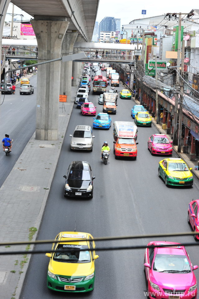 Радужные такси и тусклая собственность