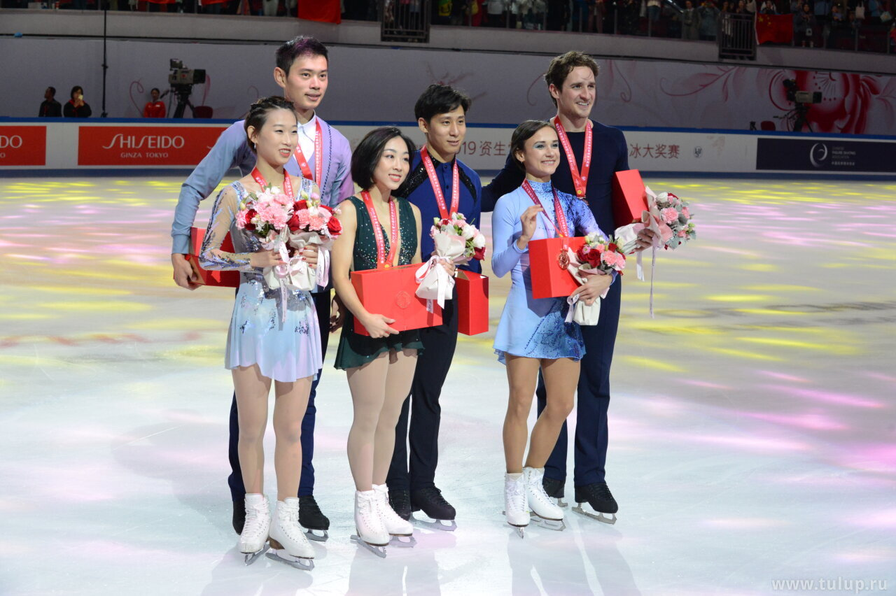 Pairs medalists