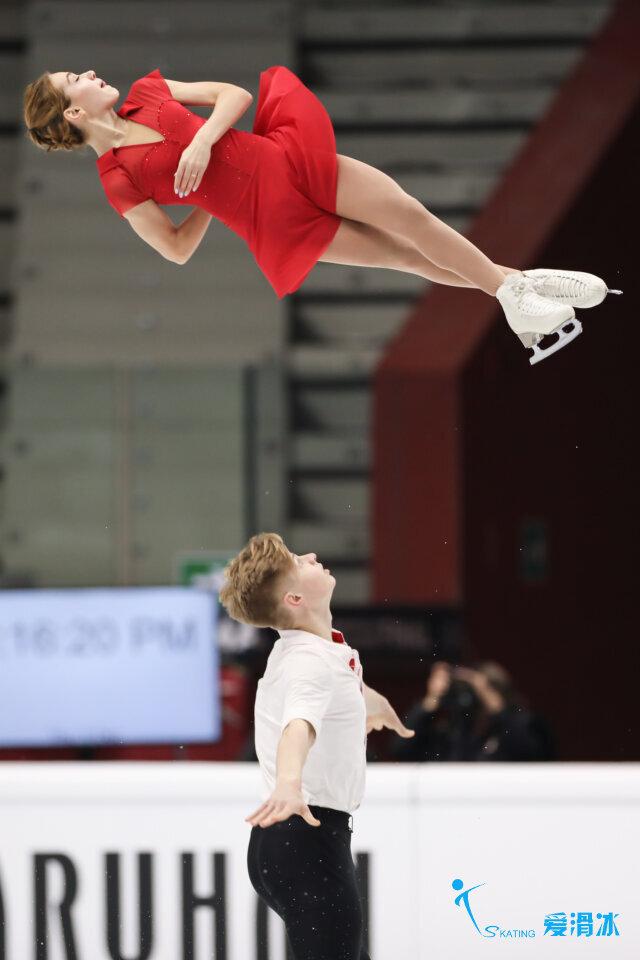 Alina Pepeleva — Roman Pleshkov